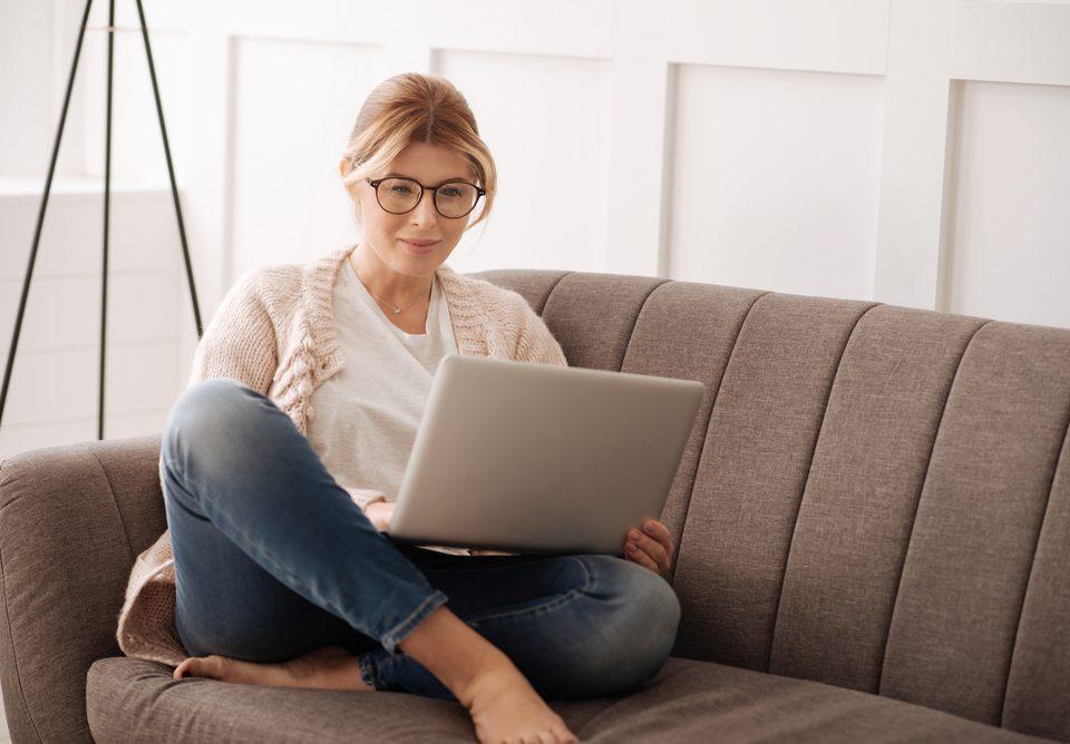 Woman in Interest Online